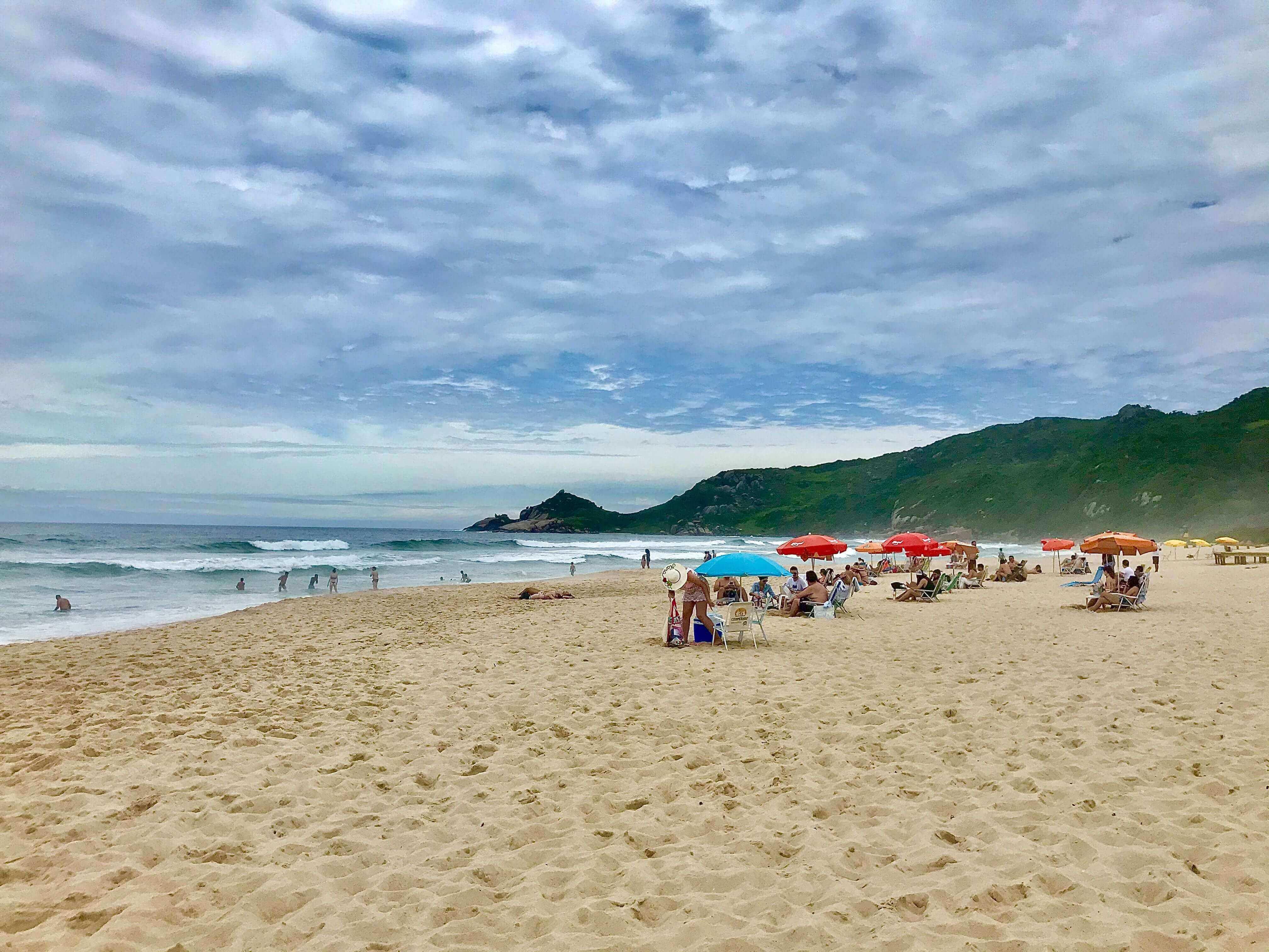 Praia mole em Florianópolis. Aprendi sobre marketing humanizado e curti
